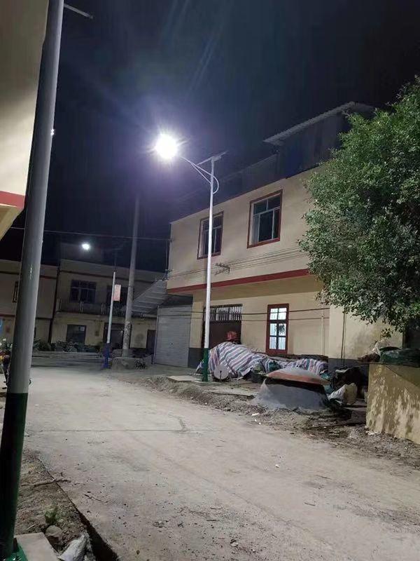 Cambodia Namo new model split-type solar street light project in ground