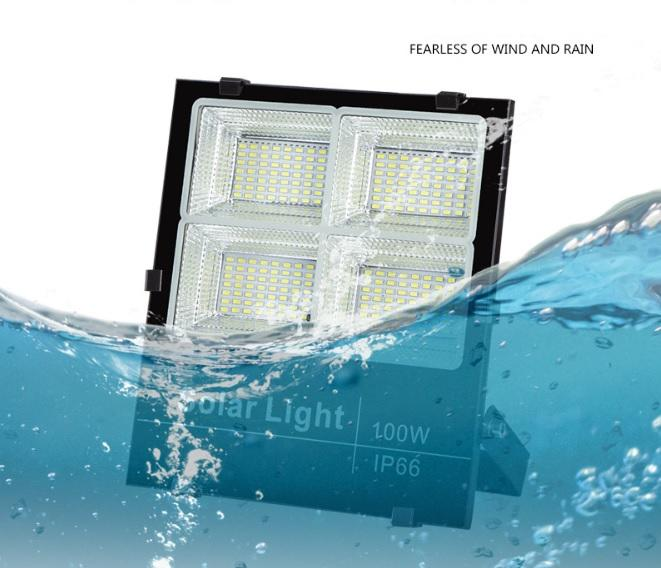 25w 40w 60w 100w 200w high brightness IP67 4 reflectors solar flood light