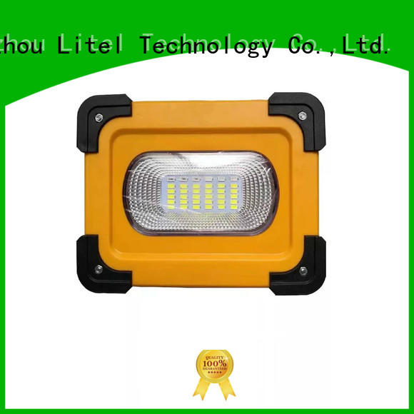 blinking solar led traffic lights road